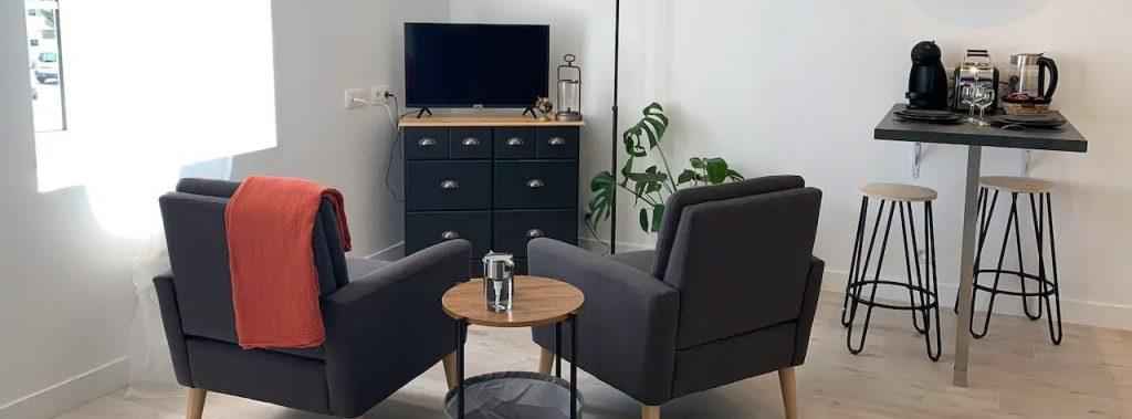 Studio le petit loft en location court séjour à Pont l'Abbé